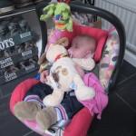 Sovende i autostolen